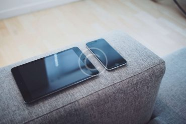 How To Clean A Phone Screen Properly